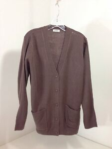 famous brand on feet shots of hot sale online DAMART WOMENS BUTTON UP V NECK CARDIGAN TAUPE SIZE 18/20 NEW ...