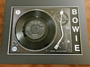David-Bowie-Life-On-Mars-Genuine-7-034-Single-Mounted-on-Record-Player-Print