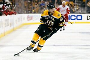 Patrice-Bergeron-Boston-Bruins-UNSIGNED-8x10-Photo