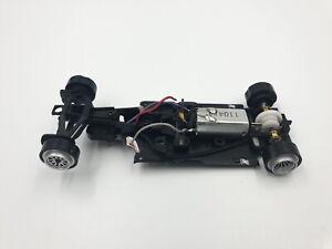 Carrera-1-32-Formel-1-Chassis-Ferrari-F138-mit-Motor-und-Achsen-aus-30695