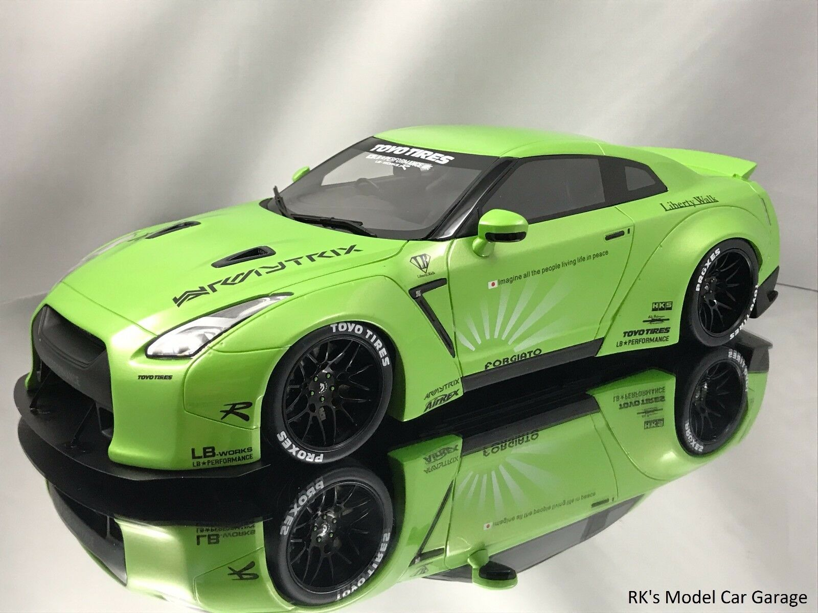 GT Spirit Nissan GT-R  R35  LB Performance Works Liberty Walk Lime verde 1:18