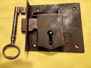 Credenza Con Serratura : Antica serratura trapezoidale da credenza integra e chiave