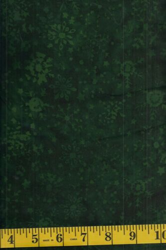 Green Snowflakes on Dark Green 1//2 yd Island Batik Alpine Jungle 121723685