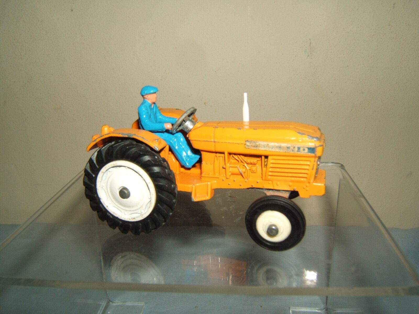 DINKY TOYS MODEL No.308 LEYLAND 384 TRACTOR  ( orange VERSION)