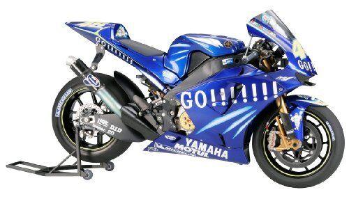 Tamiya 1 12 No.98 Yamaha YZR-M1 2004 No.46 No.17 Modellino  Plastica 14098  authentique en ligne