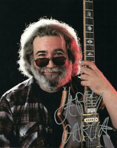 JERRY GARCIA SIGNED AUTOGRAPH 8X10 PHOTO - GRATEFUL DEAD SONGWRITER, VERY RARE