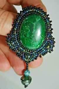 VINTAGE-HANDMADE-BEADED-PIN-BROOCH-WITH-DANGLE-AND-GREEN-STONE-MOURNING-STYLE