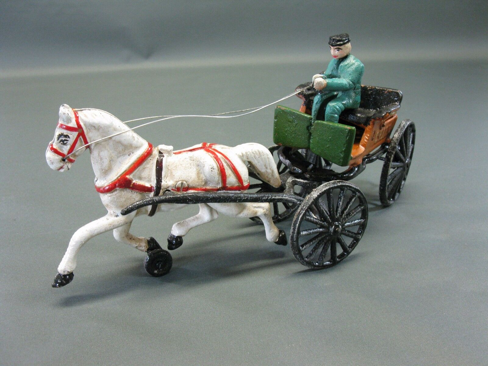 Cast Iron Horse-Drawn Carriage Decoration in Antique Style 35 cm 2 kg Hard With