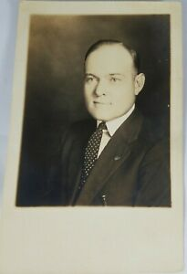 Vintage-Real-Photo-Post-Card-Gentleman-Dressed-in-a-Business-Suit-AZO-1900-039-s