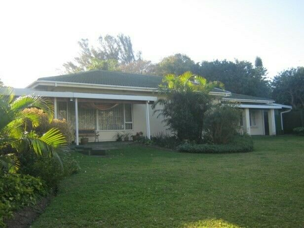 Neat Spacious 4 Bedroom,3 Bathroom Family Home for sale in Port Edward.