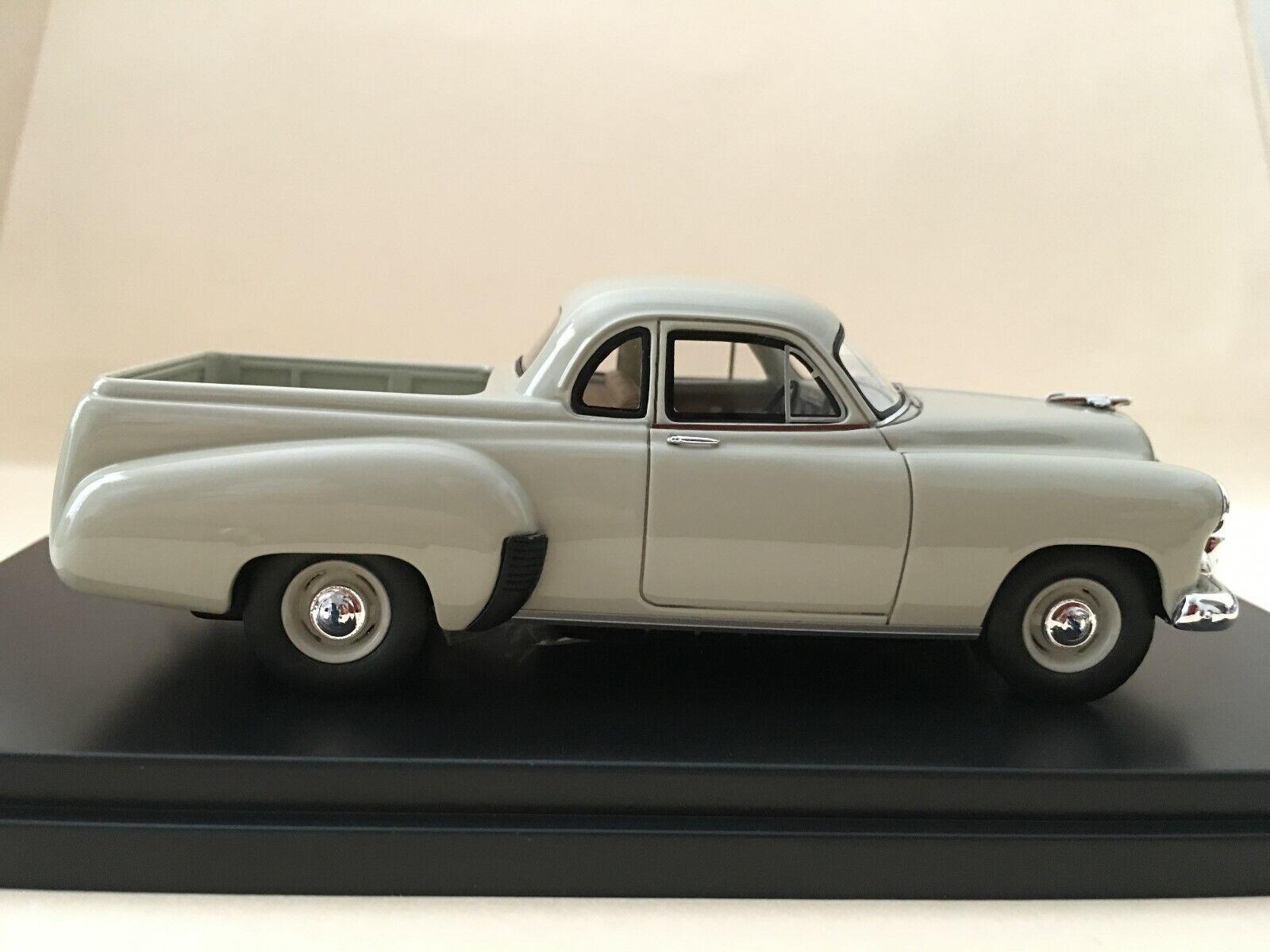 1 43 TRAX TRR71B 1951 Chevrolet Ute - Aztec Tan