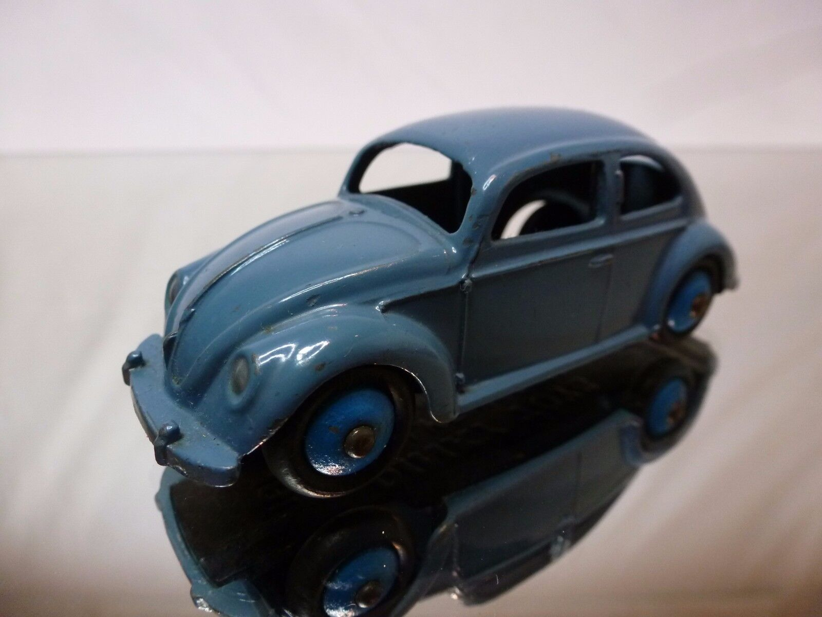 DINKY TOYS 181 VW VOLKSWAGEN BEETLE - blu 1 43 - VERY GOOD CONDITION