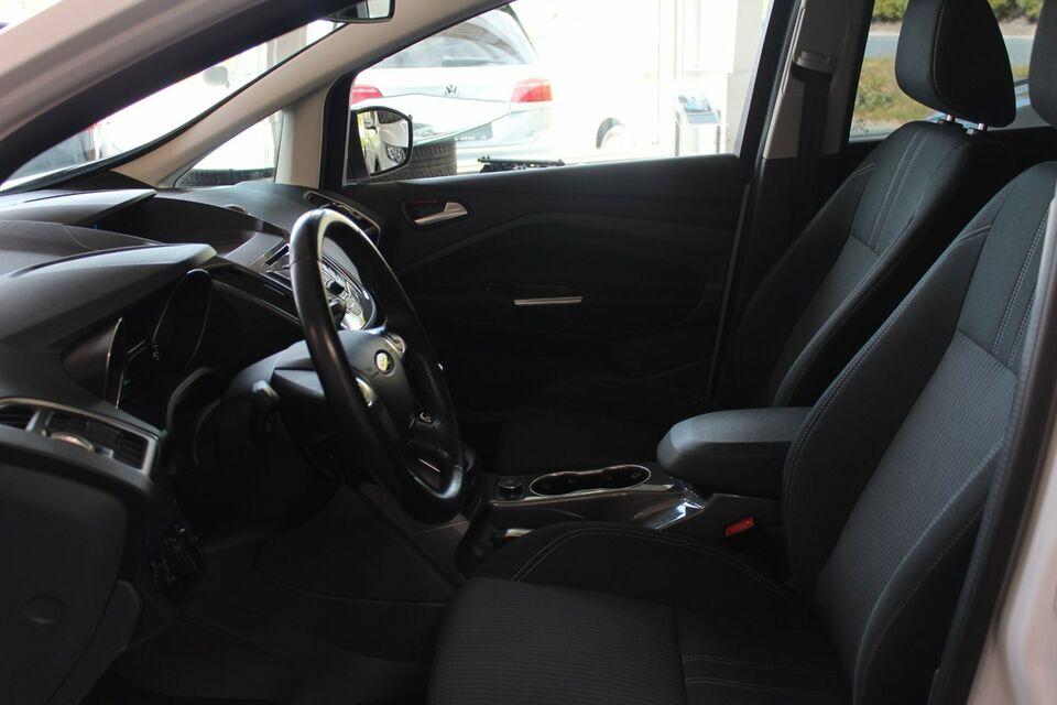 Ford C-MAX 1,6 TDCi 115 Titanium Diesel modelår 2014 km