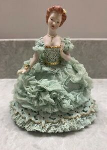 Antique-Beautiful-Lady-Figurine-with-Lace-Fabric-1952