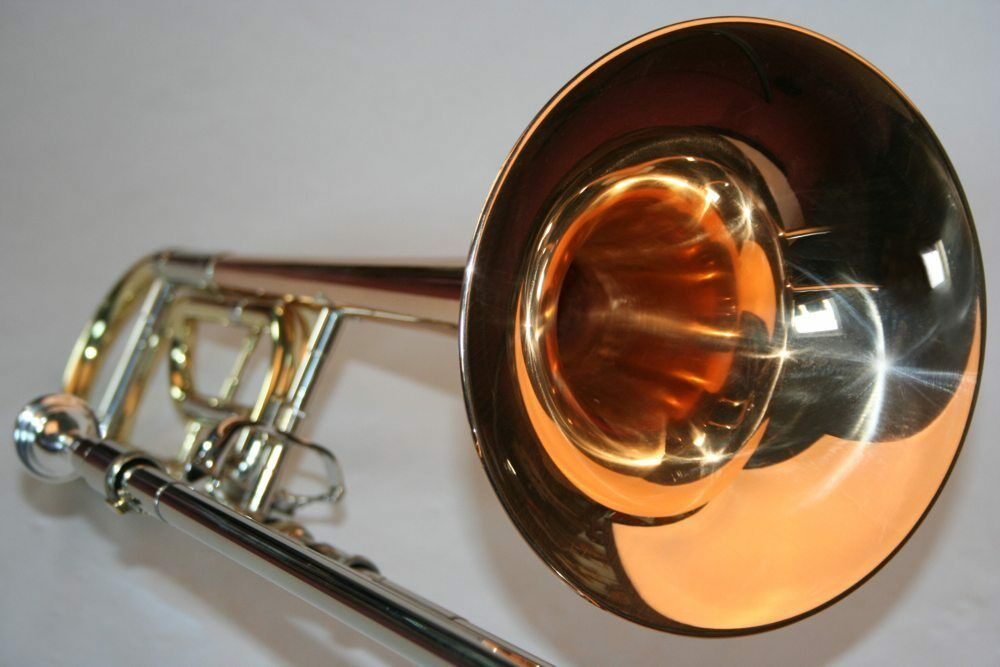 Posaune Bb   F Goldmessing Schallbecher Konzertposaune