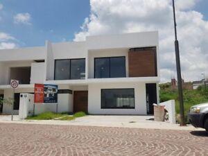 Residencia en Lomas de Juriquilla, 4 Habitaciones con  Baño Completo y Vestidor