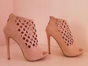 Superbe-Boots-beige-taille-37
