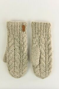Erin Knitwear Oatmeal Cable Mittens