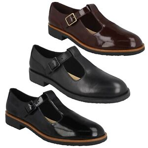 GRIFFIN TOWN LADIES CLARKS LEATHER