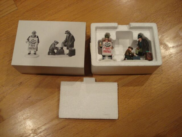 NEW DEPARTMENT 56 HERITAGE VILLAGE SERIES ALL AROUND THE TOWN SET OF 2 #5545-0