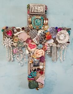 034-Daddy-039-s-Girl-034-Unique-Hand-Decorated-Wall-Cross-Vintage-Jewelry-Assemblage