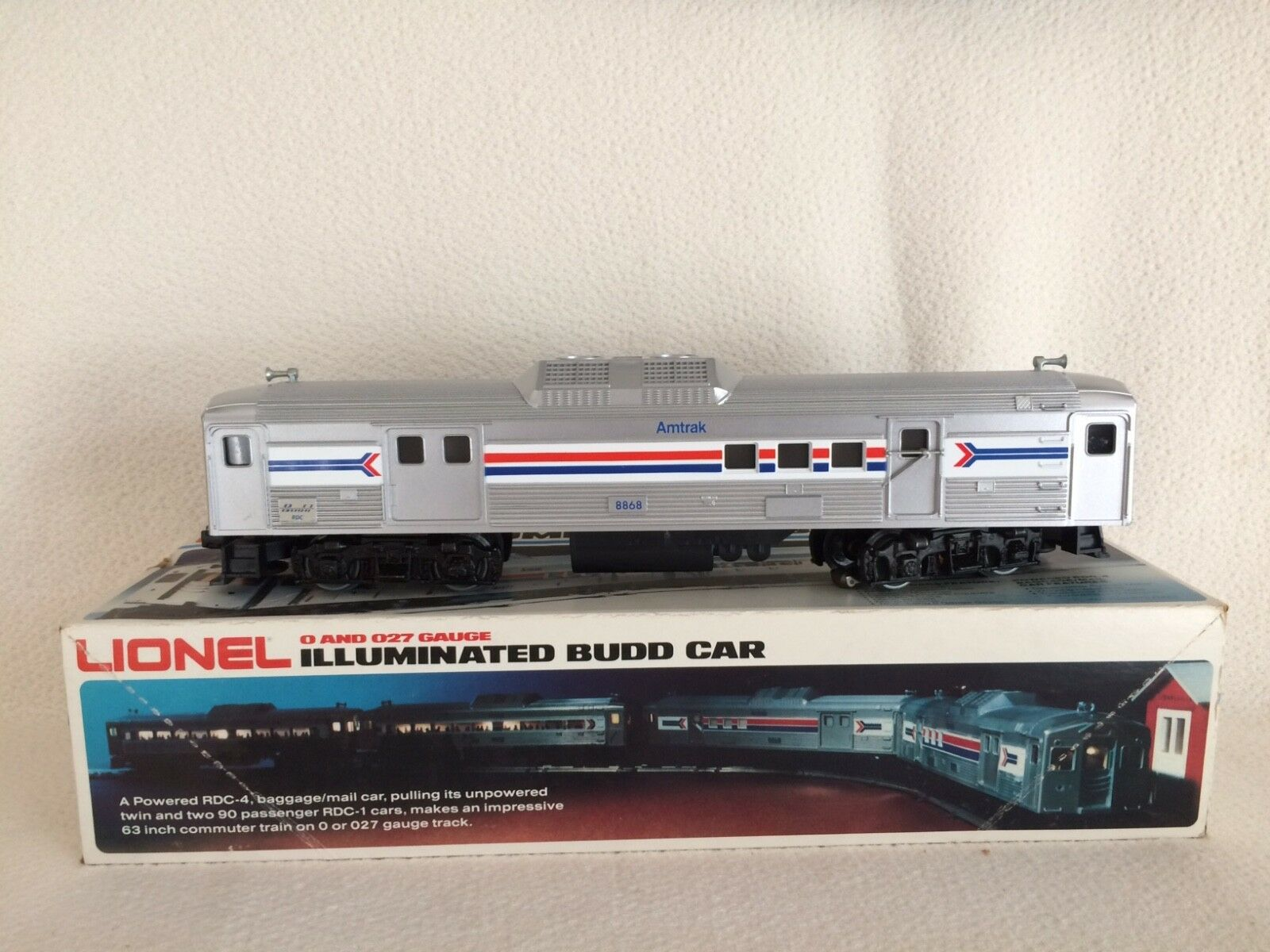 Lionel 1978 Amtrak Illuminated Budd Baggage Mail Car  8868 MINT