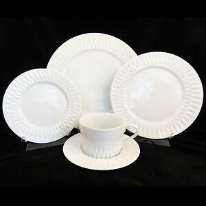 Image is loading AZORES-Block-Spal-45-Piece-dinnerware-Set-NEW- & AZORES Block Spal 45 Piece dinnerware Set NEW NEVER USED Porcelain ...