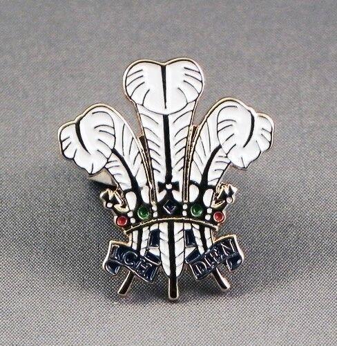 Metal Enamel Pin Badge Brooch Feathers Prince of Wales Warrant Heraldic Emblem