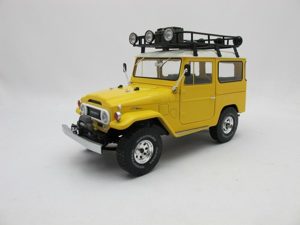 1 18 leksakota Land Cruiser FJ40 gul Triple 9 samling tärningskast modelllllerler bil