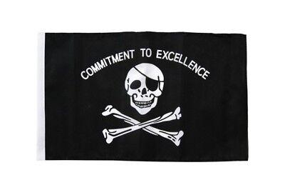 Pirat Commitment to excellence Autofahne Autoflagge Fahnen Auto Flaggen 30x40cm
