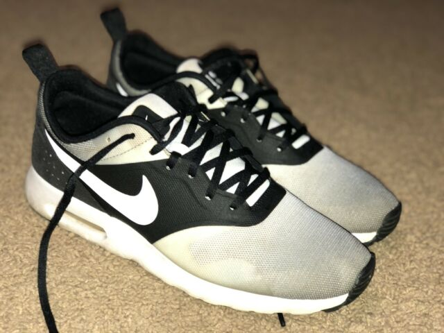 Men's Nike Air Max Tavas Running Shoes Size 9.5 Grey/Black/White