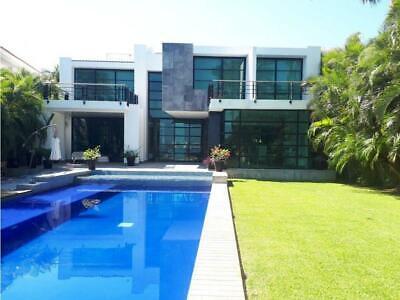 Casa en Isla Dorada frente a laguna venta y renta