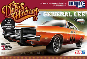 MPC-817-Dukes-of-Hazzard-General-Lee-039-69-Dodge-Charger-SNAP-1-25-Scale-Kit