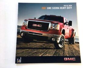 2007 GMC Sierra Classic Truck 38-page Original Sales Brochure Denali 2500 3500