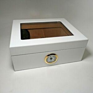 Qualitaet-Importeure-Zigarre-weiss-Humidor-mit-Hygrometer-Zedernholz-ausgekleidet-mit-Teiler