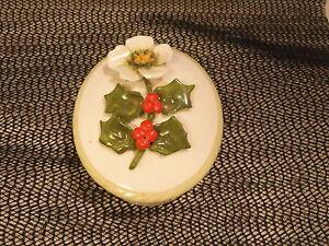 Aynsley-Porcelain-Trinket-Box-Holly-Mint
