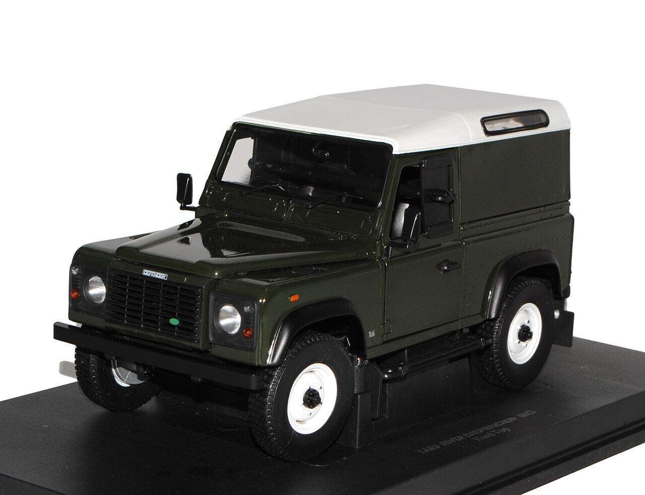 Land Rover Defender 90 Grün 3 Türer 1 18 Universal Hobbies Modell Auto mit ode..