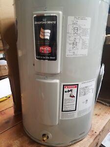 Bradford White Water Heaters >> Bradford White LE130L3-3 30 Gallon Light Duty Lowboy ...