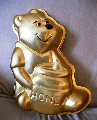 Vintage 1976 Wilton Winnie The Pooh With Honey Pot Gold Cake Pan (Mini Size)