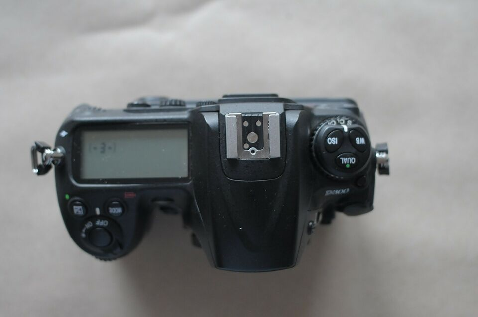 Nikon Nikon d300, 12,3 megapixels, Perfekt