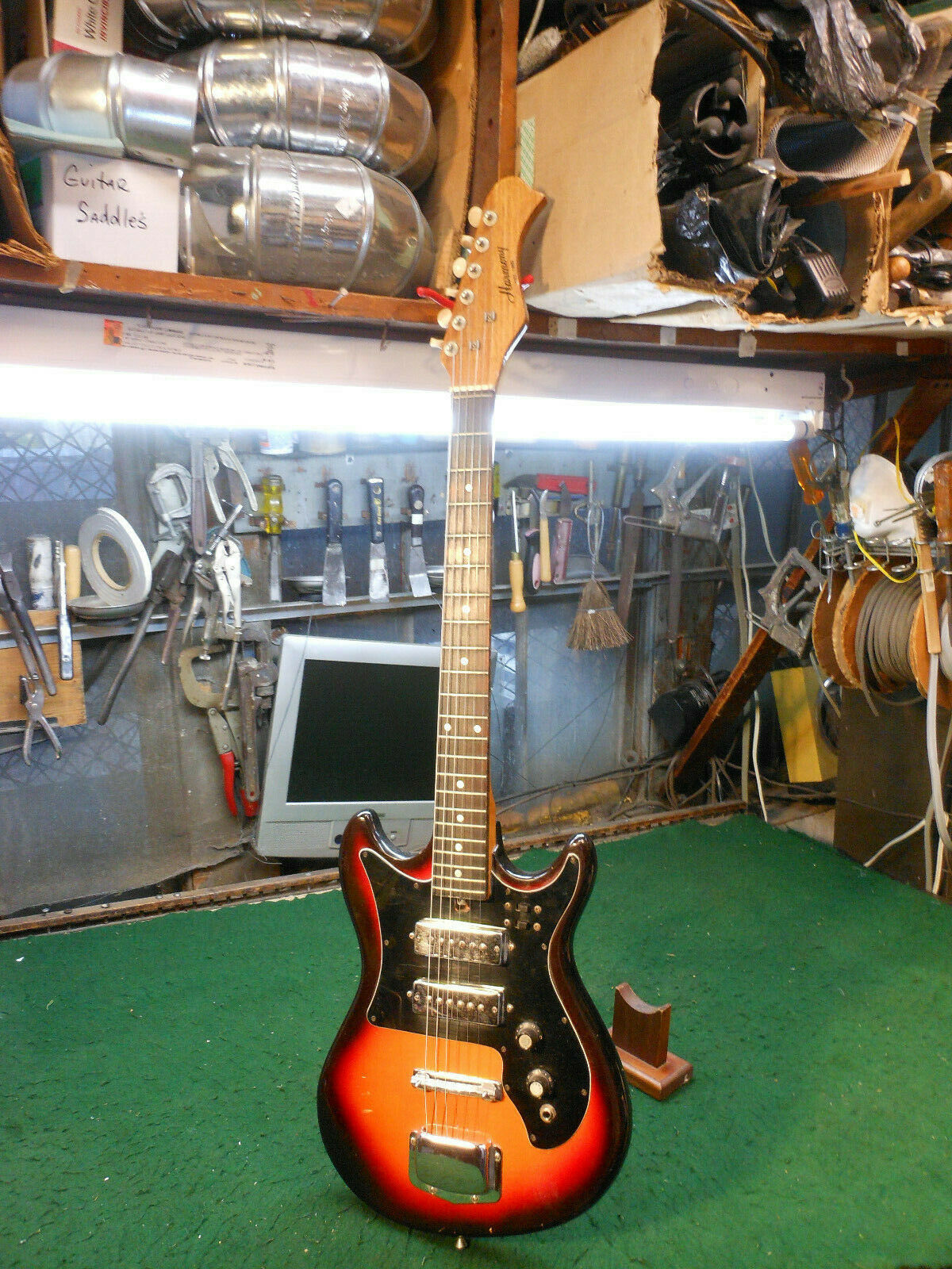 70's Vintage Harmony guitar With hard Case & Vintage Harmony