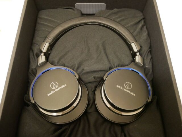 audio-technica Hi-Res Sealed Type Portable Headphone ATH-MSR7BK Black New in Box