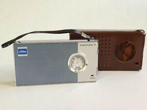 Vintage Toshiba Model 7P-70A Transistorradio
