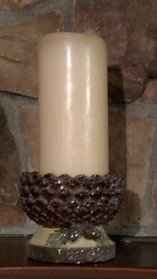 "NWT 4/"" iced Pine Cone Fir Bough Woodland Lodge Christmas Pillar Candle Holder"