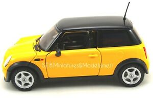 MINI-COOPER-JAUNE-TOIT-NOIR-1-24-WELLY