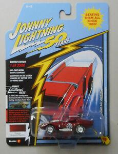 1965-Shelby-Cobra-Daytona-Coupe-Burgundy-JOHNNY-LIGHTNING-DIE-CAST-1-64