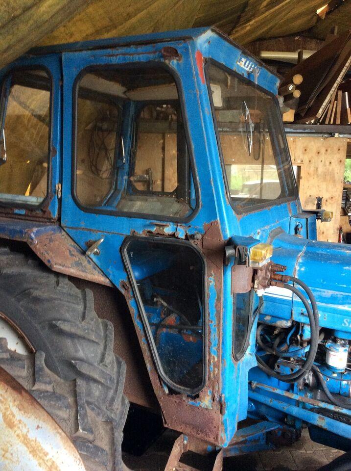 2 Døre ( højre og venstre ) købes  til Ford 300...