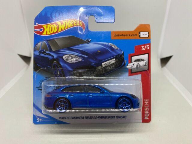 Hot Wheels 1:64 Porsche Panamera Porsche 3/5