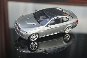 Nuevo-BMW-m3-fugazmente-con-cromo-llantas-en-humo-plata-mr-02-mini-z-chasis-rar