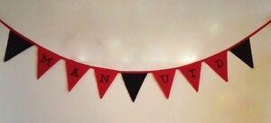 CALCIO-in-tessuto-Bunting-Banner-Manchester-United-regalo-di-Natale-Rosso-amp-Nero